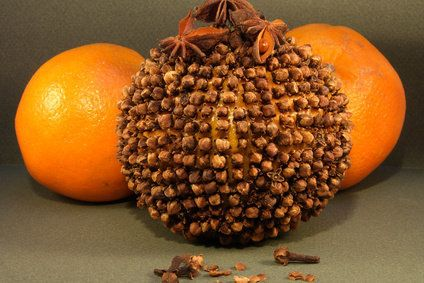 m thode naturelle pour loigner les moustiques les pommes d ambre recouvrir la surface d une. Black Bedroom Furniture Sets. Home Design Ideas