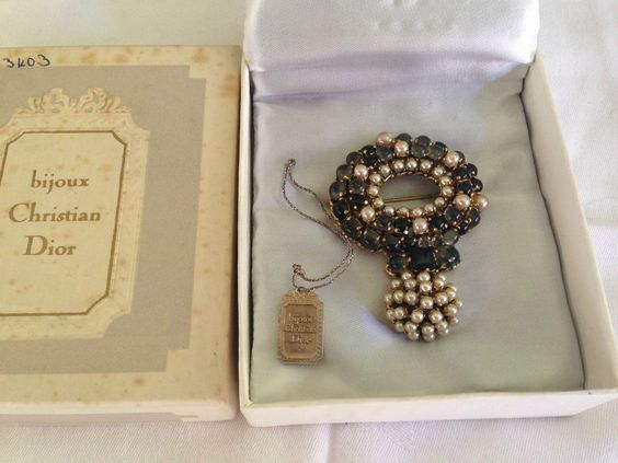 Bijoux Vintage Dior : Superb vintage christian dior brooch bijoux crystals