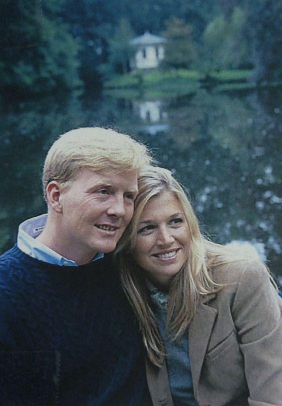 Fotosessie bij de hofvijver waar ze ten huwelijk is gevraagd door W.A in de winter 2000/20001.