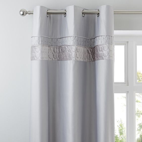 Dunelm Circle Embellished Panels Grey And Silver Vienna Thermal