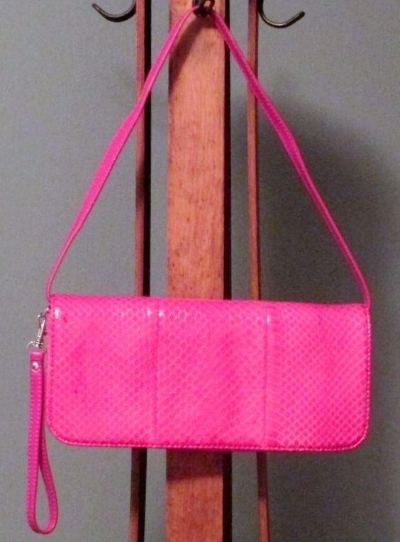 Pink Art Embossed Giani Bernini Signature Wristlet Clutch Handbag Unused  #GianiBernini #Clutch