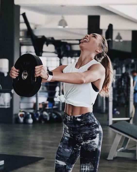 Các động tác kéo dãn hoặc căng cơ