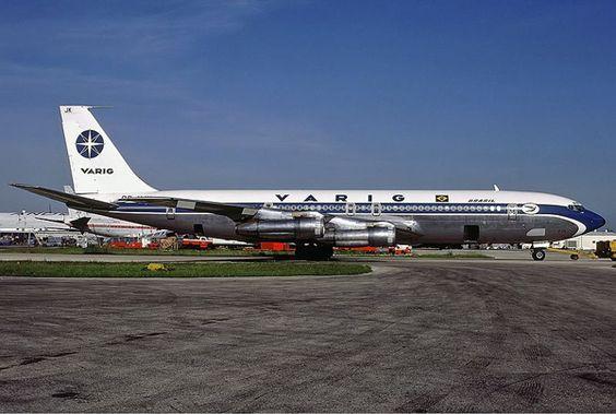 2. Avião de carga da brasileira Varig desaparece transportando 1 milhão de dólares em obras do artista Manubu Mabe
