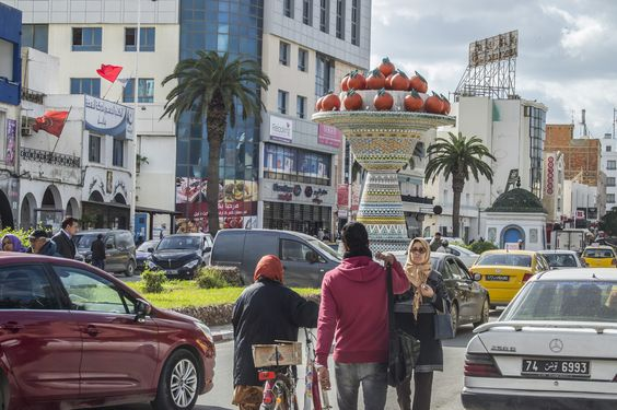 The Orange Bowl, Nabeul   Sculpture représentant des oranges, le principal fruit à Nabeul, conçue, mise en place et décorée avec de la faïence andalouse par l'ingénieur céramiste Azouz Al-Kharraz.  Information from Wikipedia