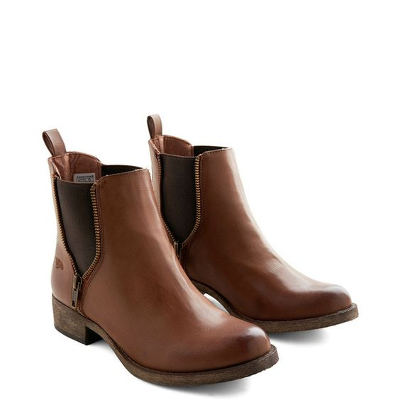 Rustic Casual Influence Boot by Rocket Dog from ModCloth (100 AUD) ❤ liked on Polyvore featuring shoes, boots, ankle booties, ankle boots, modcloth, brown, boot - bootie, flat boot, short flat boots and flat booties