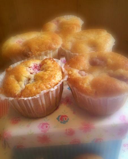 Muffins de Morangos e Chocolate Branco