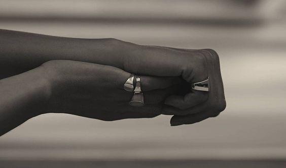 Anello lettering o anello con iniziale, il regalo personalizzato - Anelli Tom Wood