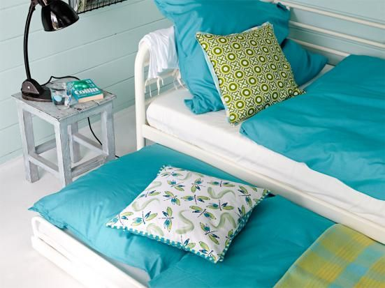 Tagesbett, darunter Gästebett  Daybed with pull out guest bed