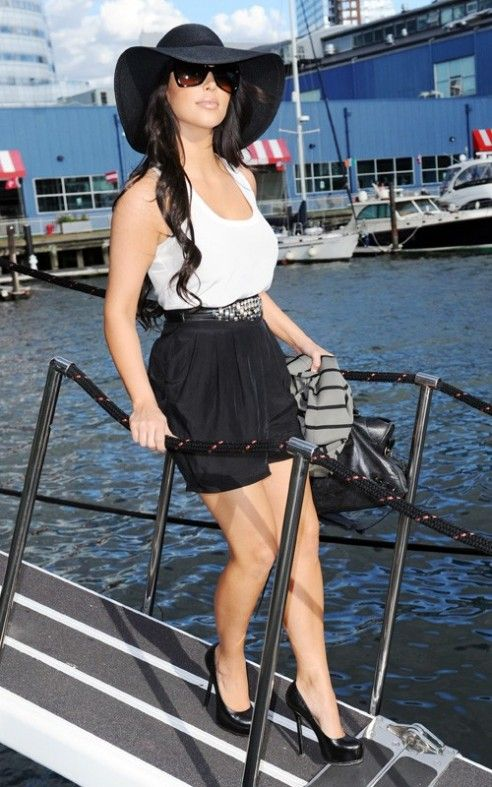 kim-kardashian-summer-fashion-hats-1