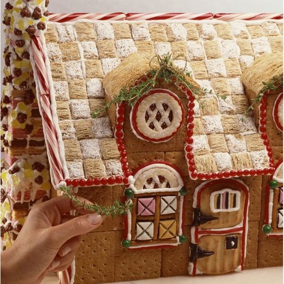EZ Tips for Making Great Gingerbread Houses - love the rosemary garland
