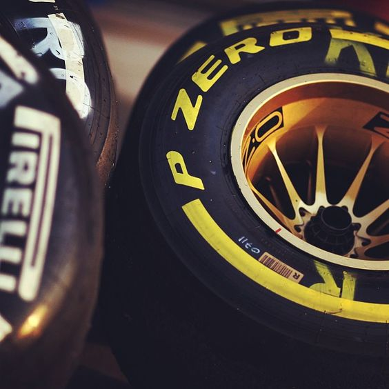 OZ Racing Wheels to support Kimi Raikkonen! Photo by @Stefania F1 Team  #OZRACING