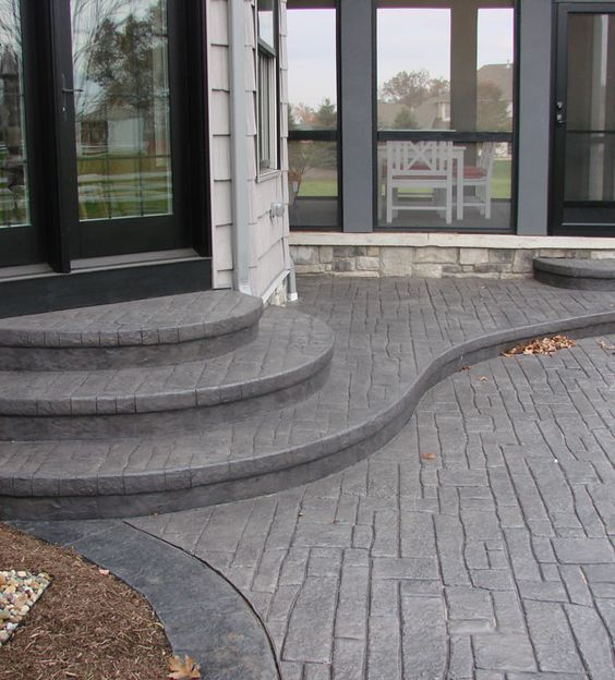 Nice backyard concrete patio with steps house - Patios exteriores ...