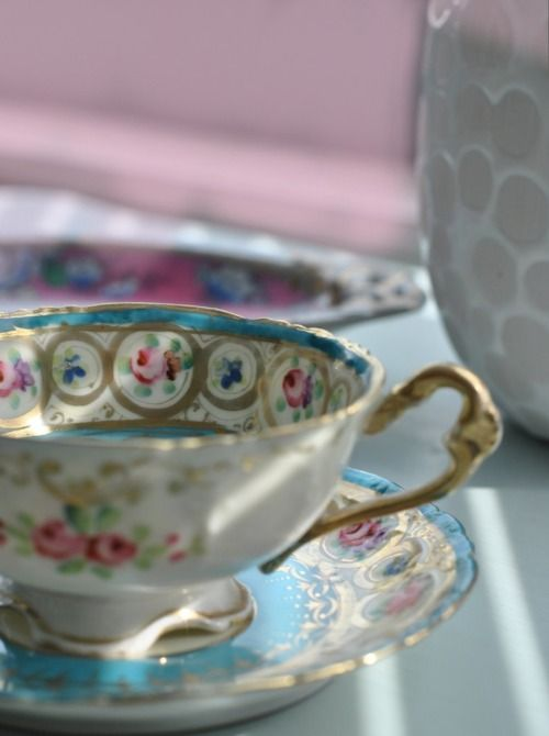 I want beautiful china like this!