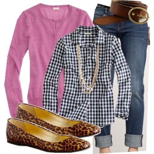Gingham shirt, pink cardigan and animal print loafers with jeans for a sophisticated casual look.