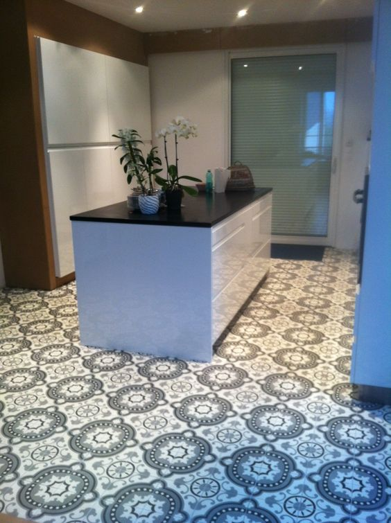 Carreaux ciment 20x20cm baroque noir blanc et gris d cors for Carrelage du marais