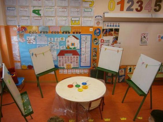 Clase de pl stica colocaci n mesas para colorear y - Mesas para dibujar ...