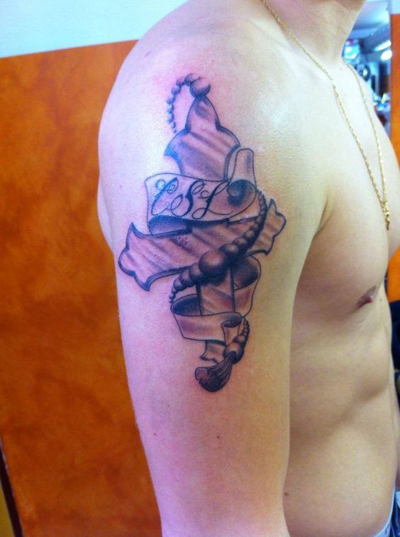 Norman, tatoueur chez MDS TATTOO https://www.facebook.com/NormansTattoo