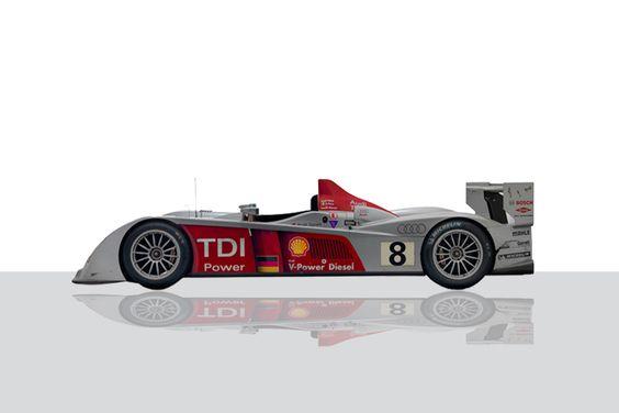 Mit dem Audi R10 TDI gewann in Le Mans erstmals ein Diesel-Rennwagen die Gesamtwertung. Innerhalb der 24 Stunden fuhr das Siegerteam 380 Runden (5.187 km). Der Siegerwagen war Teil der Le Mans-Sonderausstellung 2009/2010.
