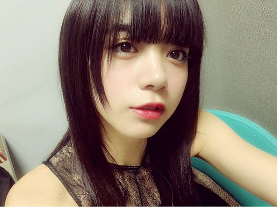 黒髪ぱっつんな池田エライザ