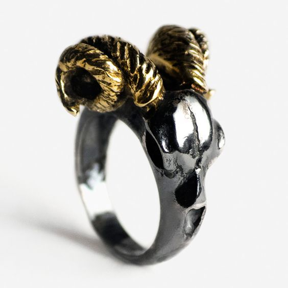 Ram ring | Macabre Gadgets fashion Jewelry