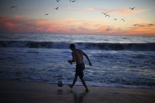 Los Primos inova e vende paletas mexicanas na praia  - http://bit.ly/1x3fOoY  #ÚltimasNotícias, #Variedades - #Alimentos, #EstratégiaDeVendas, #Paletas