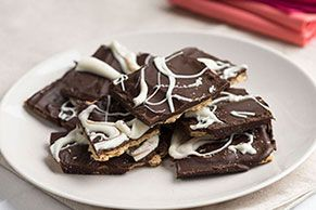 These Marbled-Chocolate Treats are a melt-and-pour recipe made with graham crackers, chocolate and peanut butter. So simple, and yet so glorious!
