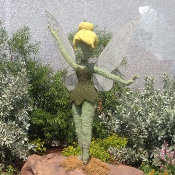2015 EPCOT Flower & Garden - Hi Tink!