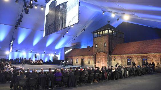 LIBERÉ. Des survivants de l'Holocauste et des personnalités venues du monde entier (dont François Hollande) se sont réunis ce mardi 27 janvier à Auschwitz en Pologne à l'occasion des 70 ans de la libération du camp d'extermination d'Auschwitz-Birkenau. Le 27 janvier 1945, l'Armée rouge libérait ce camp, lieu d'extermination de plus d'un million d'individus, dont 90% de juifs.