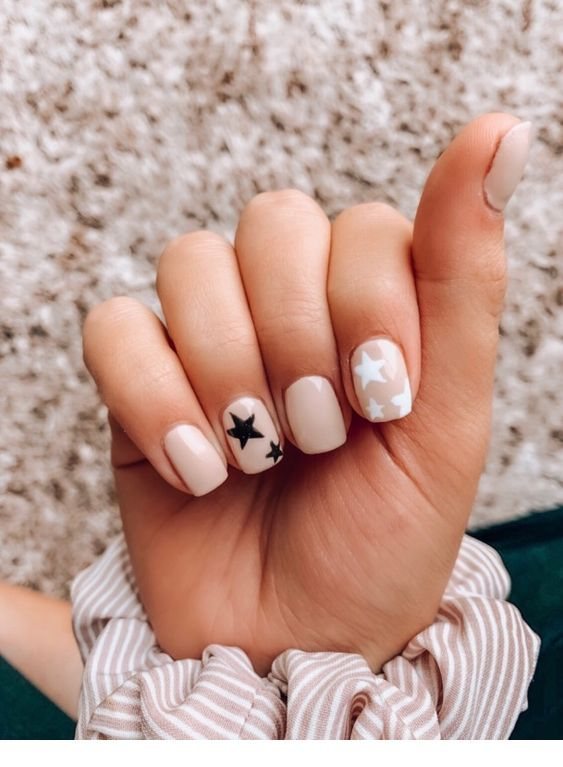White And Black Stars Short Acrylic Nails Best Acrylic Nails Nails