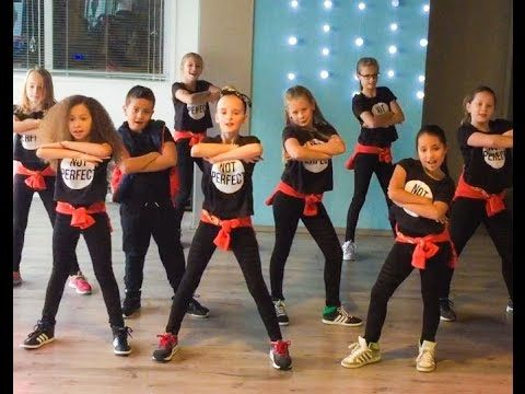 Meghan Trainor - Better when I'm Dancing - Easy kids dance warming-up choreography - YouTube