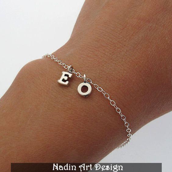 Bettelarmband / Sterling Silber Initialen Armband von EngravedJewelry auf DaWanda.com