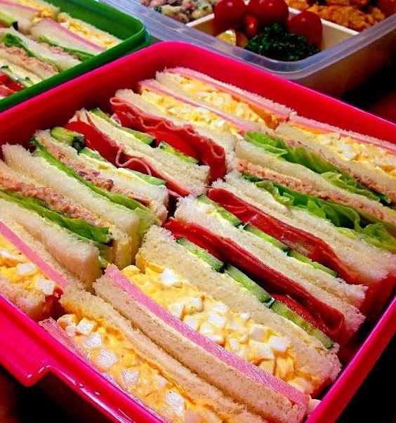 *サンドイッチ   たまご&ハム   ツナ&レタス   ベーコン&トマト&きゅうり  *ポテトサラダ    ウィンナー、紫玉ねぎ、パセリ  *からあげ  *りんご、キウイ  やっとみんなの休みが合いました(´-ω-`)  いってきまーす♡ - 47件のもぐもぐ - サンドイッチもってお出かけ♡ by mionchan