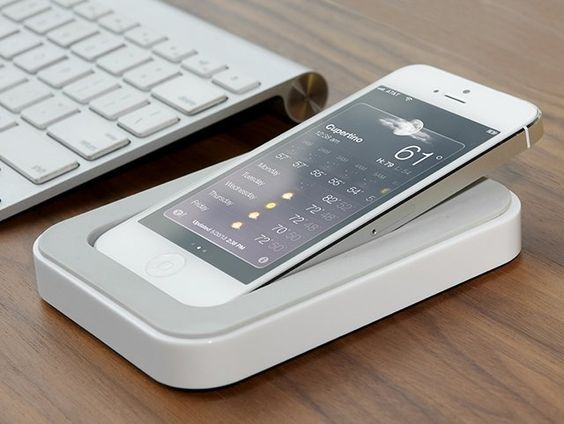 Saidoka iPhone Dock by Bluelounge