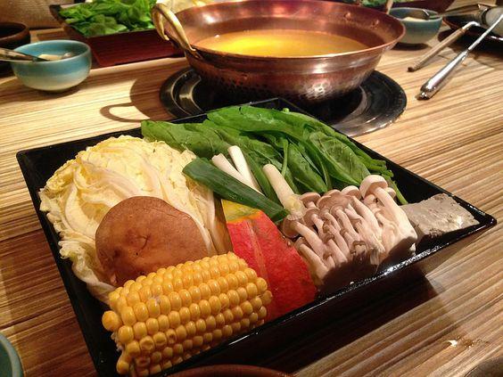 蔬菜盤, 老饕精選海鮮鍋, 樂烹鍋物, 上引水產, 三井餐飲事業, 台北