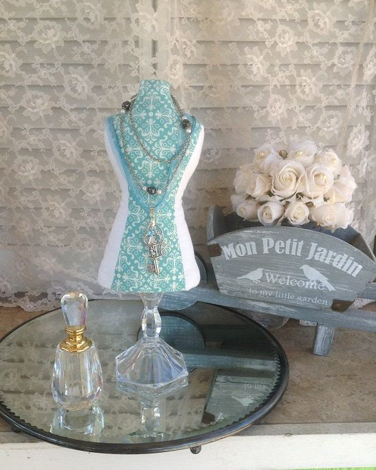 Snap Mannequin Dress Form Display Jewelry Stand Fabric Mini Bust