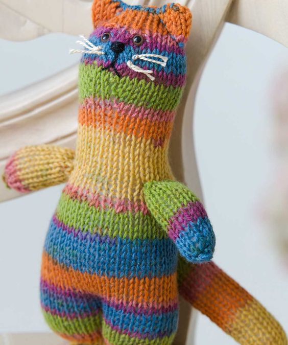 Knitting Patterns For Red Heart Buttercup Yarn : Sock, Cats and Red hearts on Pinterest