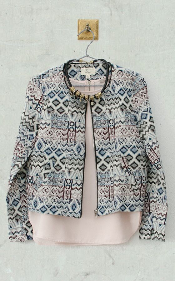 Chaqueta Solanum #modaboho #bohochic #macastudio #trends #fashion #shoponline #fashionrevolution #moda #ropa #looks #outfitboho