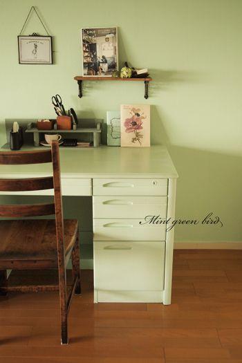勉強机DIYペンキ塗り替えリメイク   DIY   Pinterest   Blog