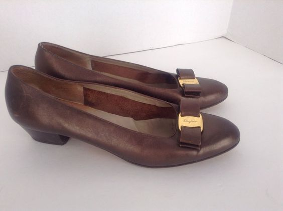 Salvatore Ferragamo Women's Brown Leather Classic Pump Shoes S 10B Made In Italy #SalvatoreFerragamo #PumpsClassics