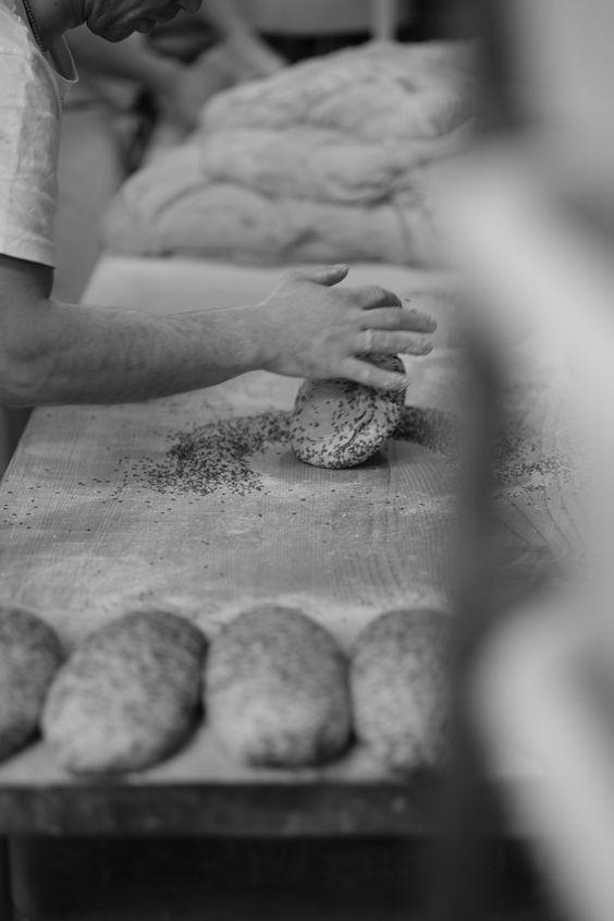 """#Foto des Tages #Bäcker Handwerk! """"Unternehmen mit Anspruch an Qualität und Sorgfalt"""". http://www.emofotodoku.de/home/"""