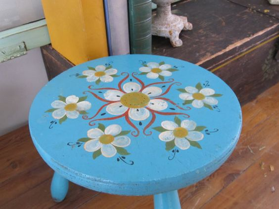 Rustic Farmhouse Milking Stool Antique Bench Chippy Paint French Country Garden Turquoise Milk Paint Child Bath Shabby Decorative Foot Rest