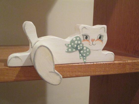 Shelf Sitting Cat от signedcpluff на Etsy