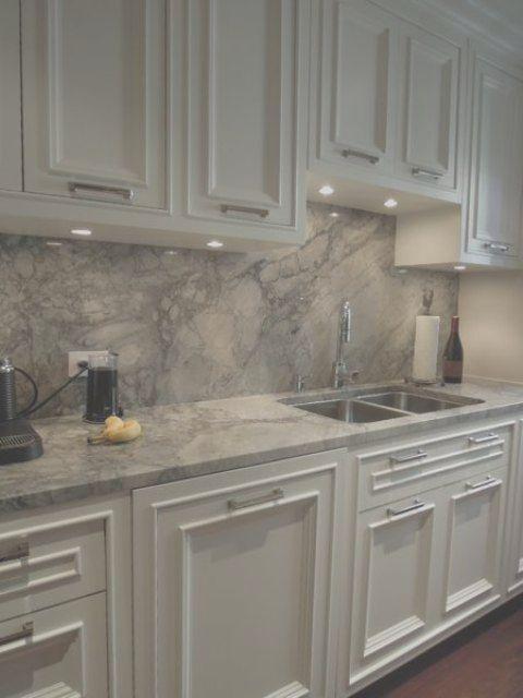 29 Quartz Kitchen Countertops Ideas With Pros And Cons Quartz Kitchen Countertops Quartz Kitchen Gray Kitchen Countertops
