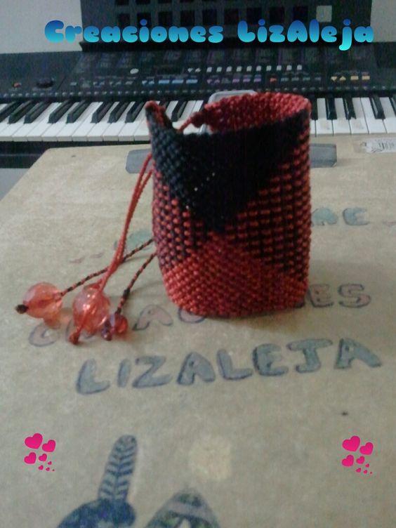 Brazalete negro-rojo
