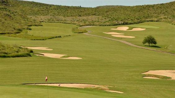 El Presidente festeja hoy su cumpleaños 57 en Córdoba, sin protocolo y con sus íntimos  Un campo de golf permite despuntar el vicio por el deporte. Foto: Estancia La Paz
