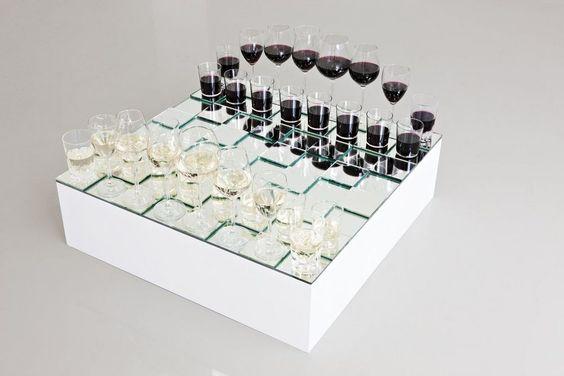Weinglas-Schach!
