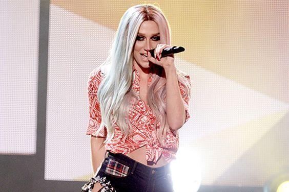 Kesha anuncia show no Brasil em 2015! - http://metropolitanafm.uol.com.br/novidades/famosos/kesha-anuncia-show-brasil-em-2015
