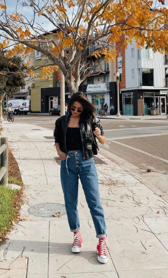 Look do dia | Look Casual | Viih Rocha | Look simples | calça jeans | | all star | jaqueta de couro | calça mom | all star vermelho | Victoria Rocha