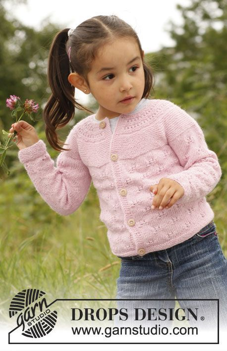 "Knitted DROPS jacket with round yoke and lace pattern in ""BabyAlpaca Silk"". Size 3 - 12 years. ~ DROPS Design:"