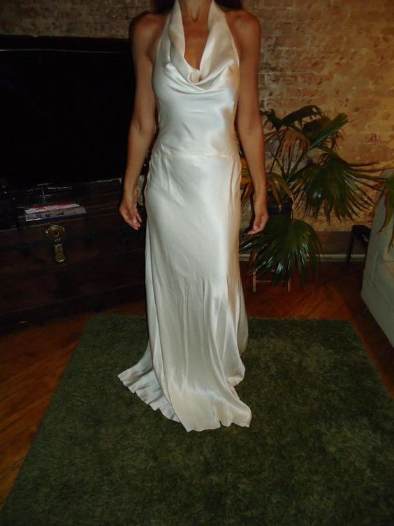 Nicole Miller CO0014: buy this dress for a fraction of the salon price on PreOwnedWeddingDresses.com